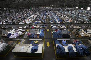 (大型紡織工廠/圖 取自 總統府 Flickr)