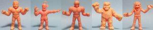 (日本動畫《筋肉人》劇中的超人角色被玩具公司製成模型,造成第一波的扭蛋熱潮。/圖:取自 din.or.jp)