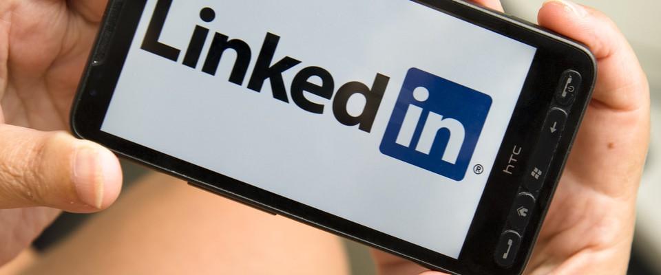 (企業可使用社交媒體 Linkedin 與人才連結。/圖:pixabay)