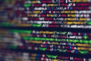 (企業擁有自己的 CRM 系統,可以將資料精準地儲存在自家雲端。/圖:Pexels)